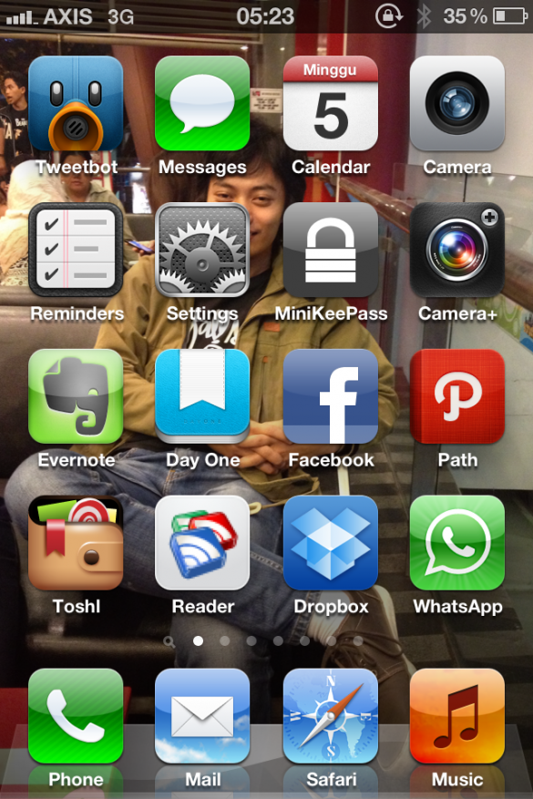iPhone Homescreen, August 2012