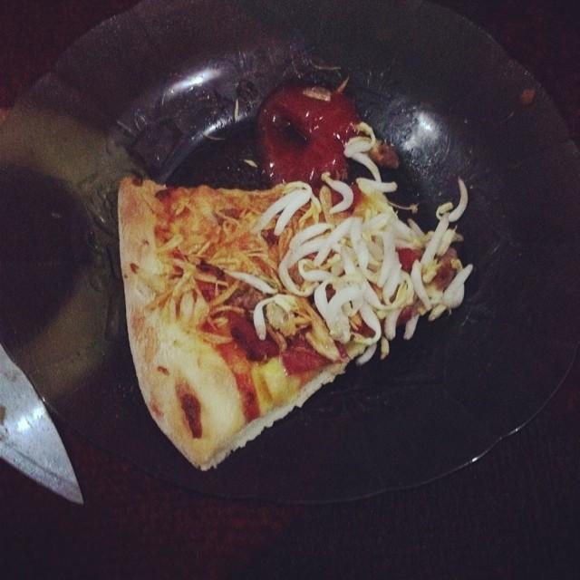 Nyokap buka pake pizza dikasih…