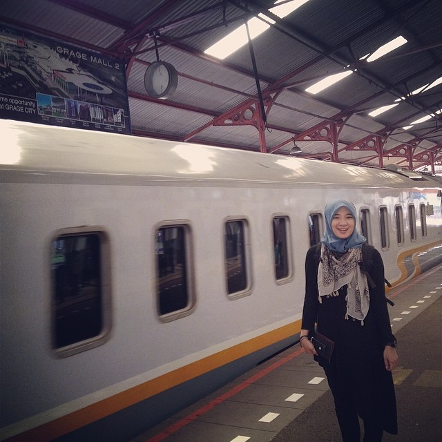 The train girl :*