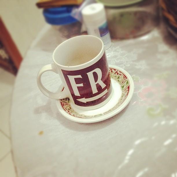Ngopi pagi bersama mug yg suda…