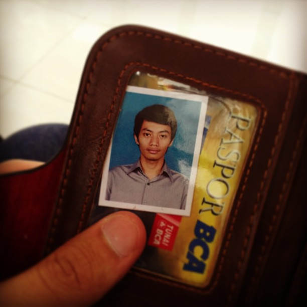 Fotoku di dalam dompetmu – Sla…