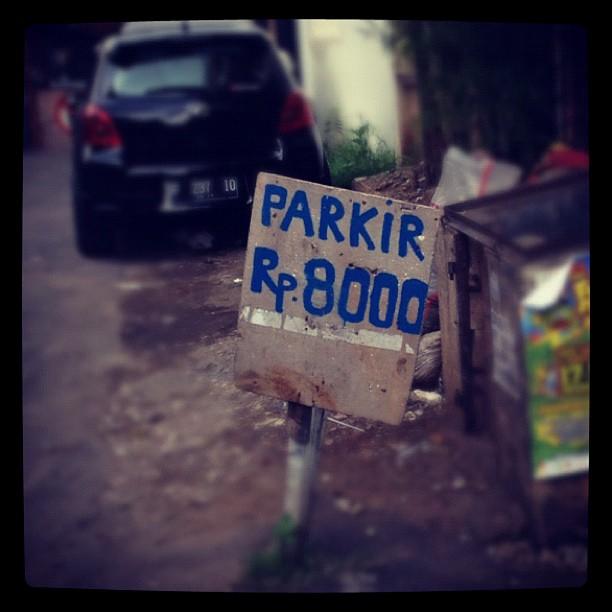 Scumbag tukang parkir