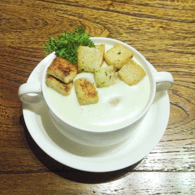 Chicken cream soup di De Soend…