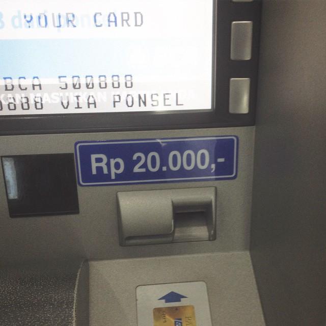 Jarang-jarang nemu ATM BCA yan…