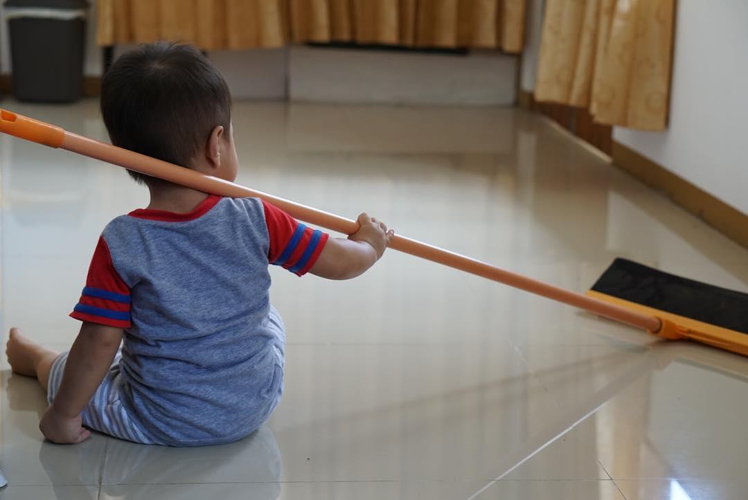 Keukeuh ingin bersih-bersih se…