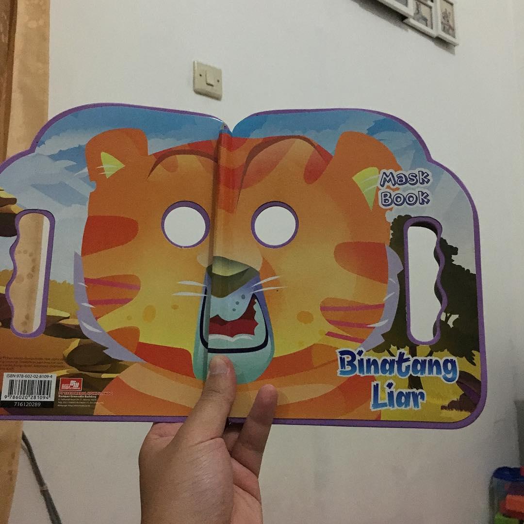 Buku telat shalat. Mask book. …