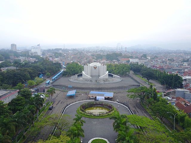 Monumen Perjuangan. It surpris…