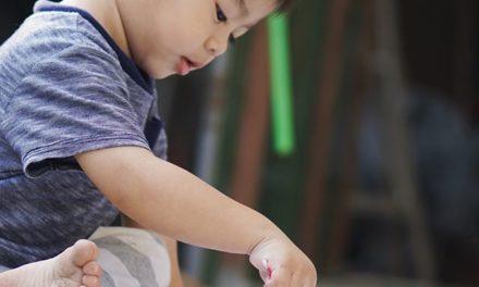 Pic 1: bocahque senang melukis…